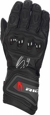Richa Savage, gloves
